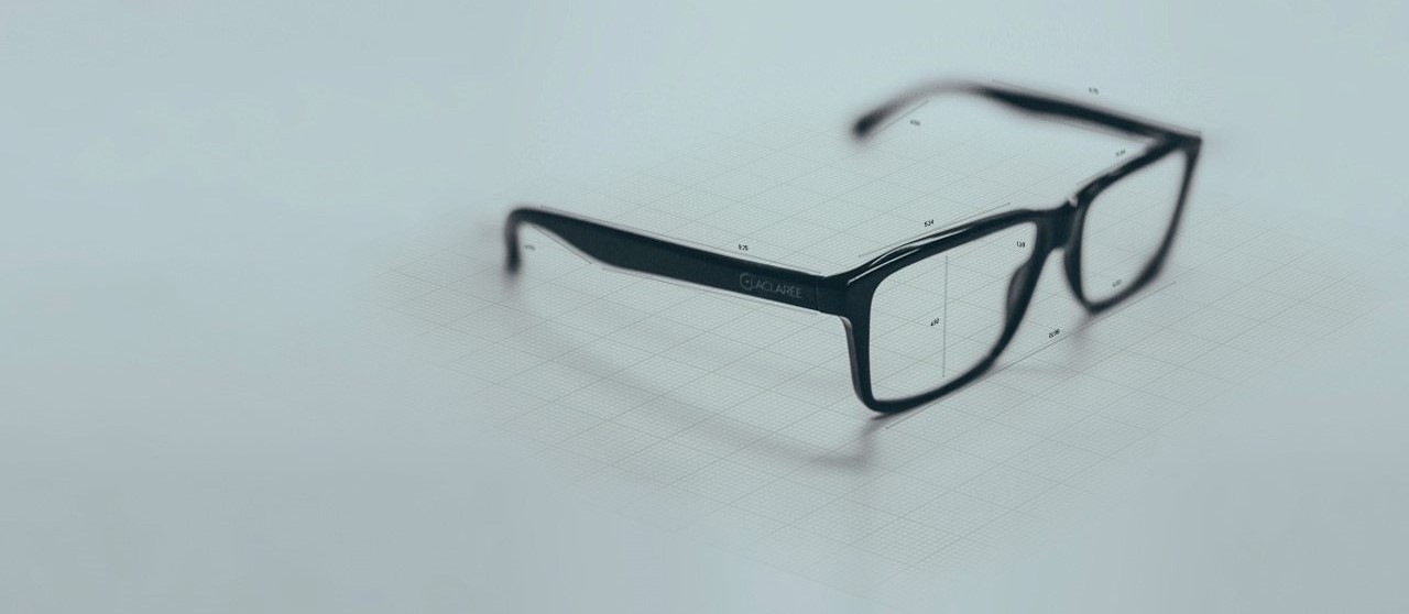 RECOVER NATURAL FOCUSING </br>WITH THE LACLARÉE EYEGLASSES